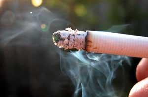 ٤٥ بالمائة الطلاب معرضون للتدخين